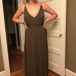 fa311241191 Lulu s Dresses - Lulu s Lost in Paradise Olive Green Maxi Dress